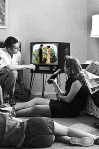 Family_watching_television_1958-1