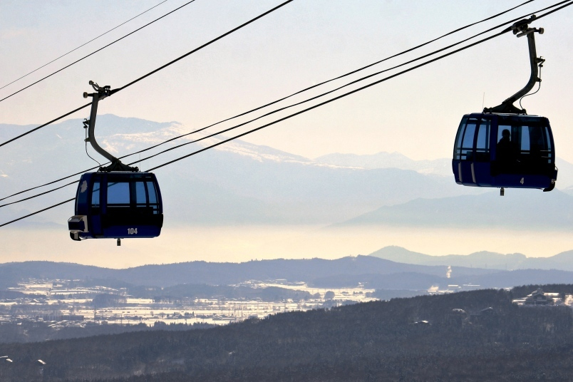 The gondola could help students by saving them time and help the environment.