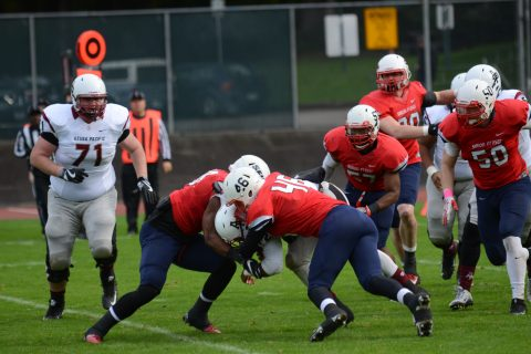 Gabe Lopes (#46) had a total of three tackles in the game. The loss leaves SFU 0–9 in the 2016 season.
